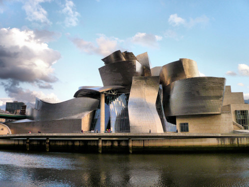 Guggenheim-Museum-Bilbao-in-Spain-francesco-clemente-artreport